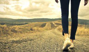 Περπάτημα κίνδυνοι: Γιατί δεν πρέπει να περπατάτε στην δεξιά πλευρά του δρόμου | Pagenews.gr
