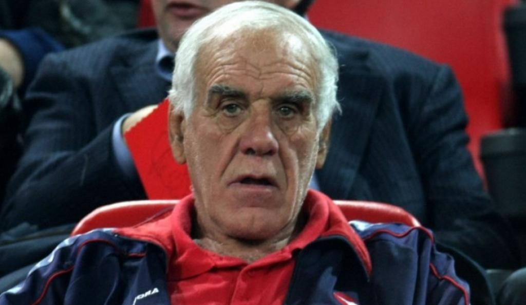 Νίκος Αλέφαντος: Έχασε τον μπούσουλα ο Σκίμπε, κοιμήθηκε ο Θεός με Ζέκα   Pagenews.gr