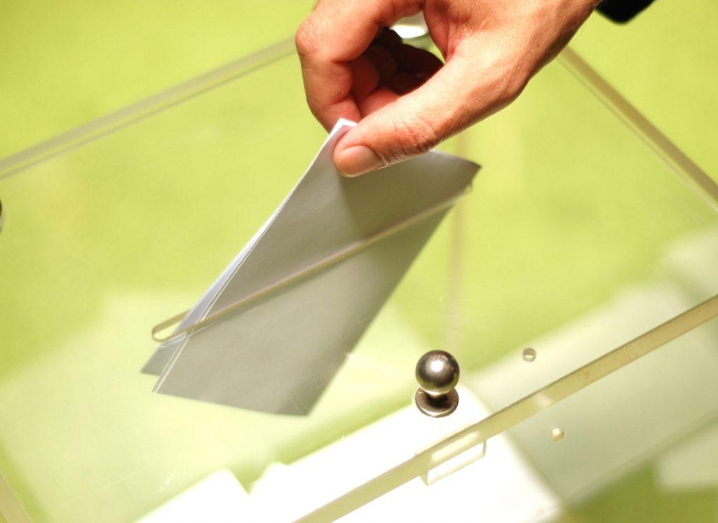 Σλοβενία: Σήμερα διεξάγεται ο δεύτερος γύρος των προεδρικών εκλογών | Pagenews.gr