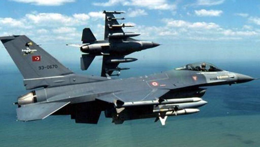 «Τουριστική» πτήση πέντε μαχητικών πάνω από την Ακρόπολη | Pagenews.gr