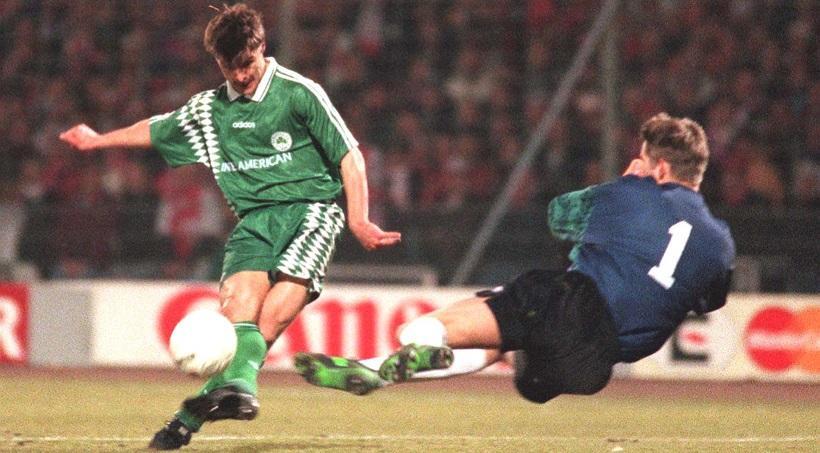 ΡΕΤΡΟ: Το πρώτο και το τελευταίο γκολ του Βαζέχα με το «τριφύλλι» (vid) | Pagenews.gr