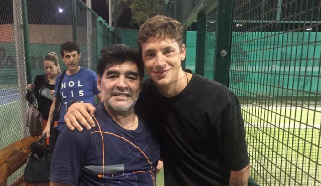Μαραντόνα και Ντε Βινσέντι παίζουν… τένις! (pic)   Pagenews.gr