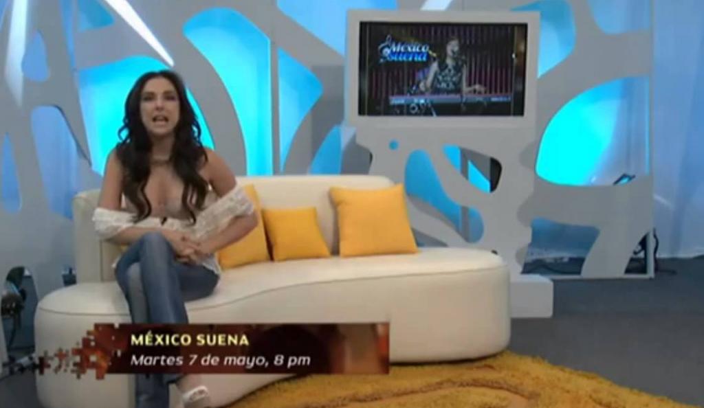 Αποκαλύφθηκε το στήθος της τηλεπαρουσιάστριας on air! (vid) | Pagenews.gr