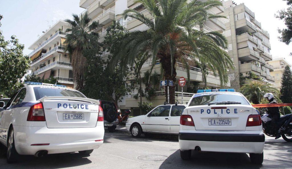 Προσαγωγή δύο υπόπτων για τη ληστεία στο Παλαιό Φάληρο   Pagenews.gr