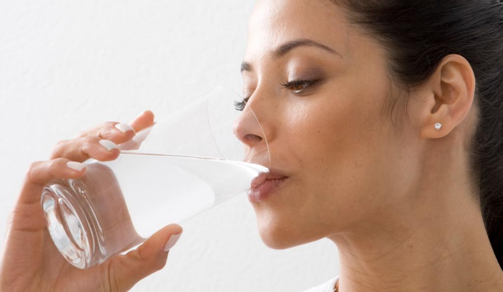 Νερό & υγεία: Οι επιπτώσεις της μη επαρκούς ενυδάτωσης | Pagenews.gr
