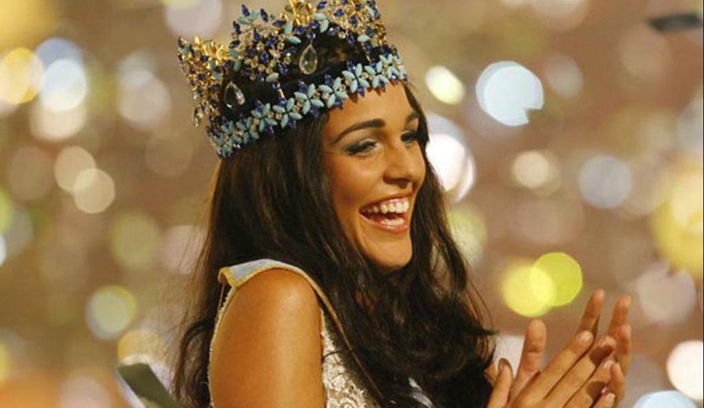 Αυτή είναι η ομορφότερη δήμαρχος του κόσμου (pics) | Pagenews.gr