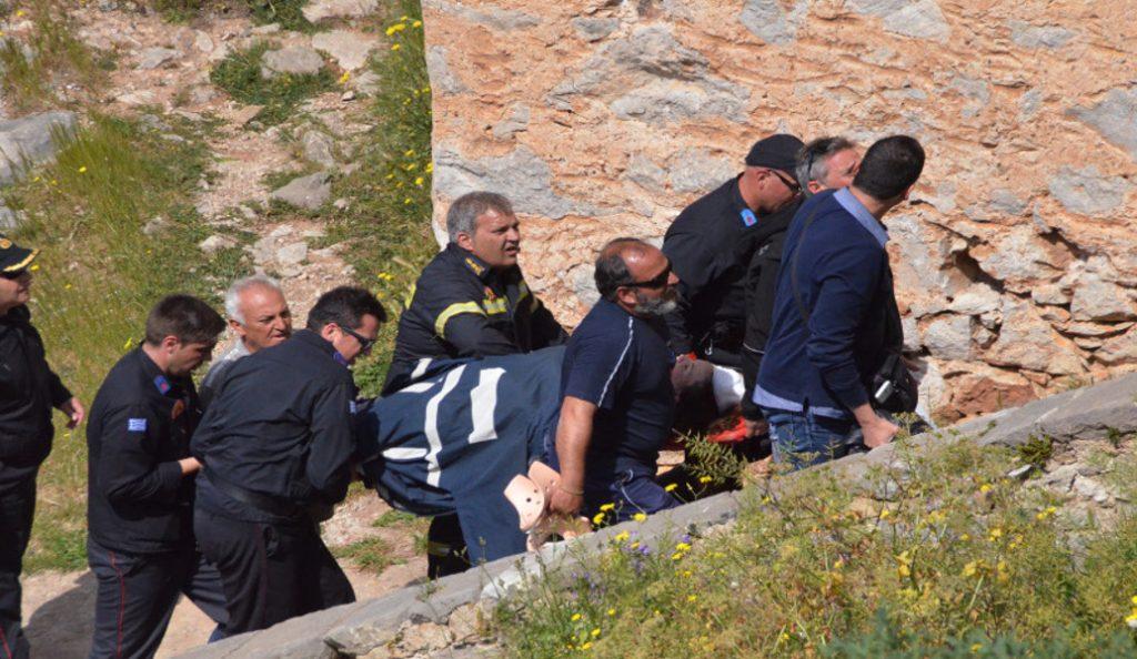 Μαθήτρια έπεσε στα σκαλιά του Παλαμηδίου και χτύπησε σοβαρά στο κεφάλι (pics & vid)   Pagenews.gr