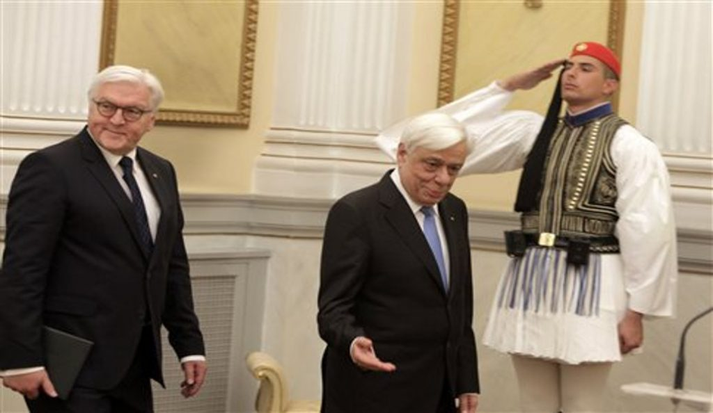 Παυλόπουλος προς Στάινμαϊερ: Να ληφθούν υπόψη οι θυσίες των Ελλήνων   Pagenews.gr