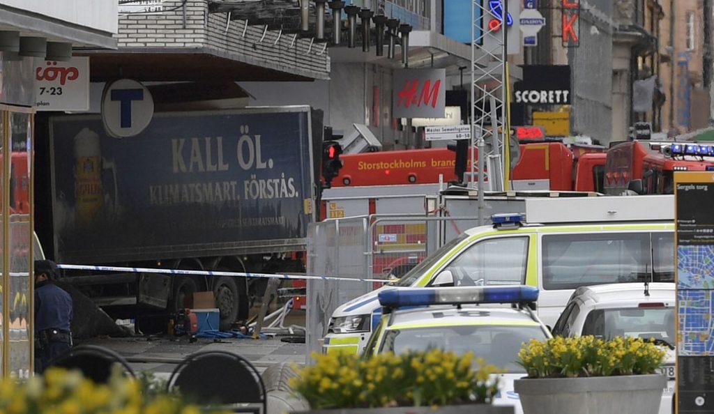Επίθεση Στοκχόλμη: Η αστυνομία βρήκε εκρηκτικά μέσα στο φορτηγό | Pagenews.gr