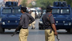 Πακιστάν: Τριπλή επίθεση βομβιστών-καμικάζι | Pagenews.gr
