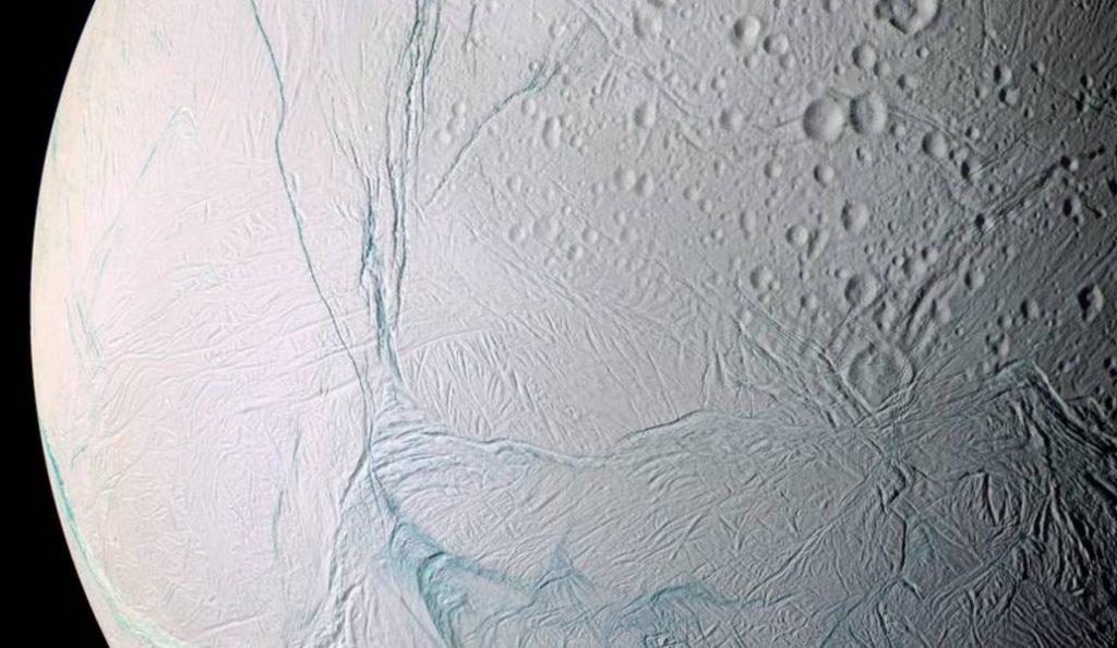 NASA: Eνδείξεις για υποθαλάσσια ζωή στον Κρόνο | Pagenews.gr
