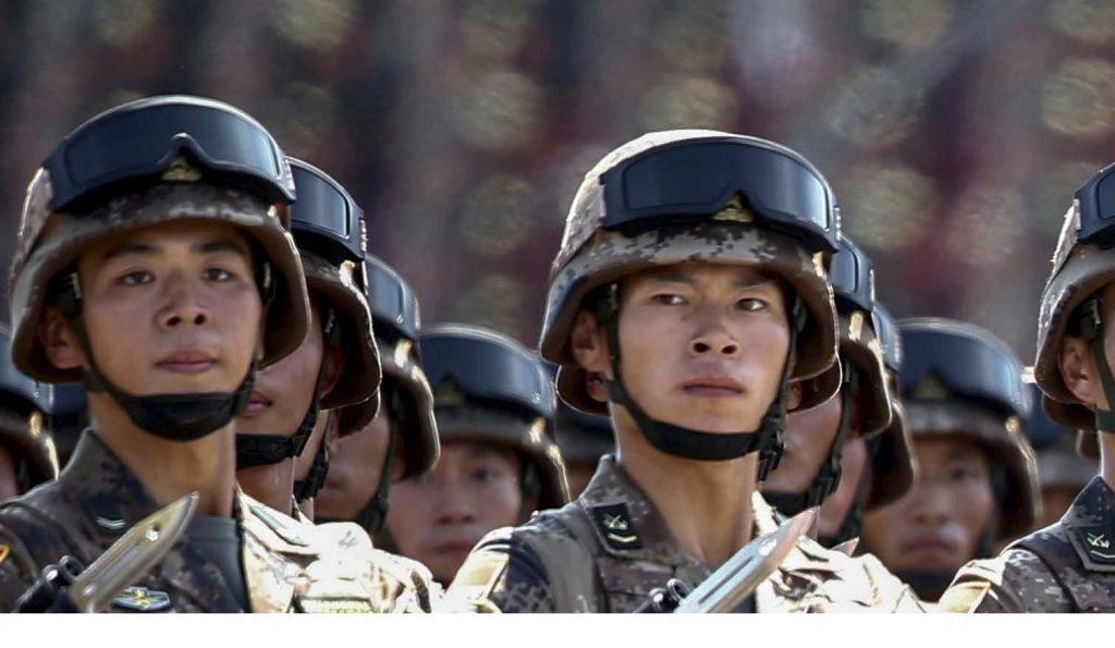 Επίδειξη δύναμης της Β. Κορέας: Εκατοντάδες στρατιωτικά οχήματα στην παρέλαση (pics)   Pagenews.gr