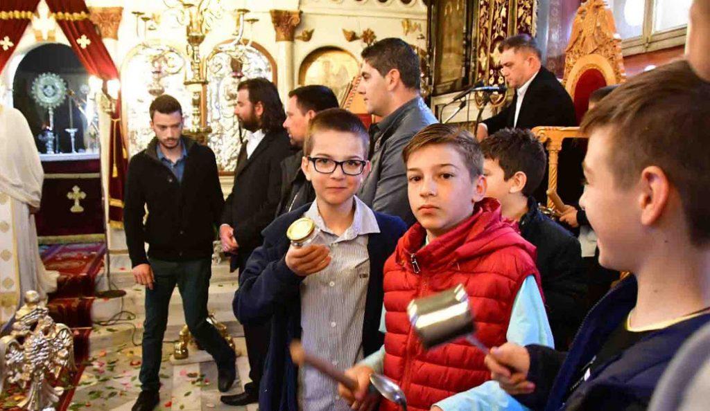 Με πολύ «θόρυβο» η Πρώτη Ανάσταση στο Ναύπλιο (vid) | Pagenews.gr