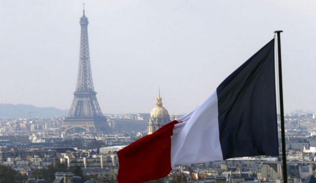 Γαλλία: Το 79% των πολιτών πιστεύει τουλάχιστον σε μία θεωρία συνωμοσίας | Pagenews.gr
