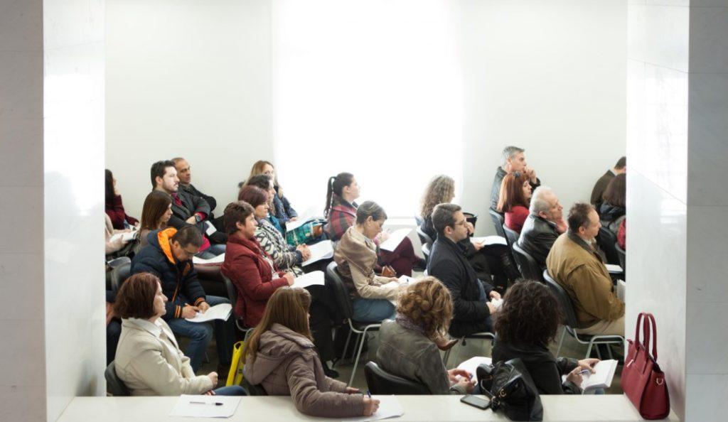 Δήμος Θεσσαλονίκης: Δωρεάν μαθήματα αγγλικών για άτομα που έχουν σχέση με την υγεία   Pagenews.gr