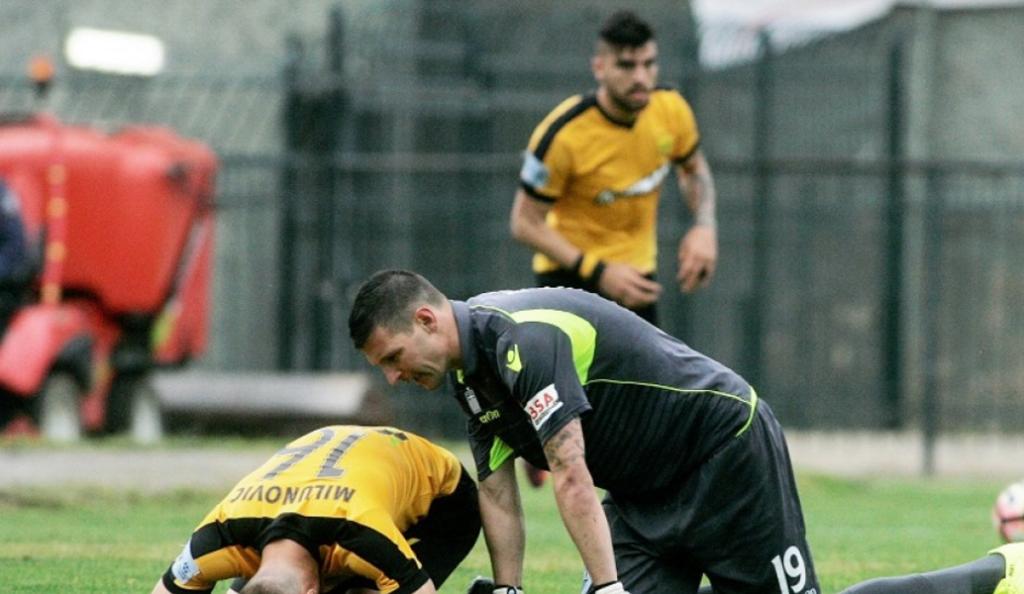 Έκλαιγε στα αποδυτήρια ο Μιλούνοβιτς, μοιραίος παίκτης του Άρη   Pagenews.gr