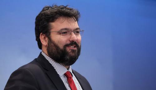Γιώργος Βασιλειάδης: Συναντήθηκε με εκπροσώπους της FIFA και της UEFA | Pagenews.gr