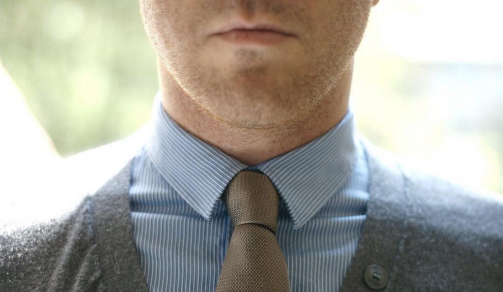 Σφιχτή γραβάτα: Επικίνδυνη για εκδήλωση γλαυκώματος   Pagenews.gr