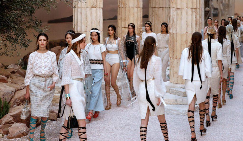 H Chanel εμπνεύστηκε από την Αρχαία Ελλάδα – Μοντέλα σαν αρχαίες θεές (pics) | Pagenews.gr