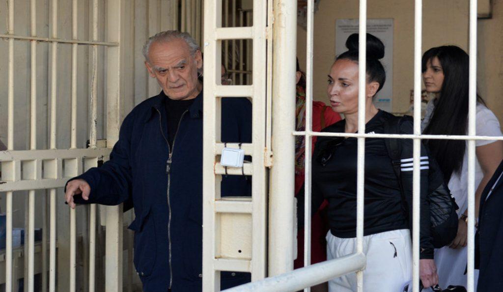 Οι πρώτες δηλώσεις του Άκη Τσοχατζόπουλου μετά την αποφυλάκισή του: Έληξε ο εγκλεισμός και ο βασανισμός μου (vid)   Pagenews.gr