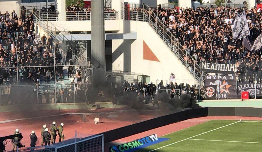 Ένταση μέσα στο γήπεδο με οπαδούς του ΠΑΟΚ και ΜΑΤ (vid) | Pagenews.gr
