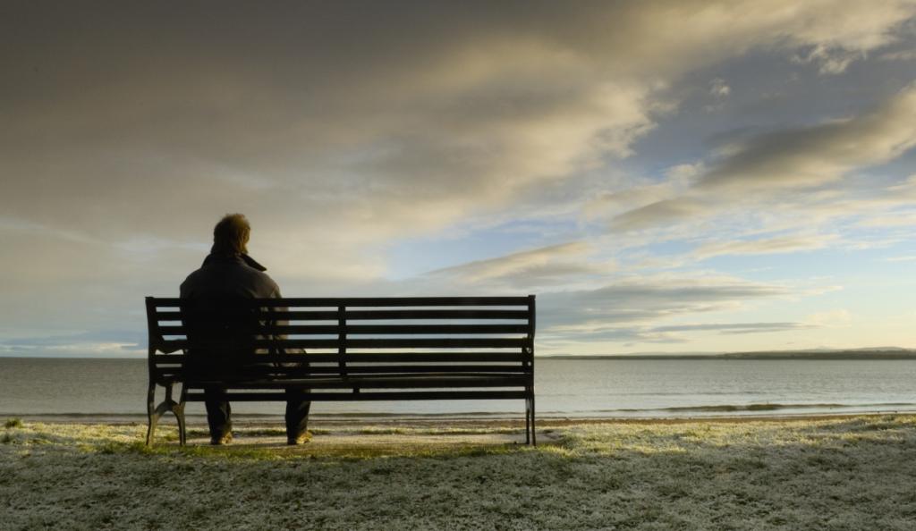 Έρευνα: Η μοναξιά βλάπτει όσο και το τσιγάρο   Pagenews.gr