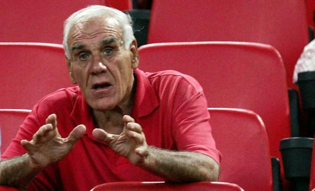 Τον είδα, είπα ότι θα ρίξει τα τσιμέντα κι ο Κόκκαλης τον πήρε ! | Pagenews.gr