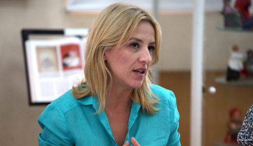 Δούρου: «Η σημερινή κυβέρνηση είναι η μόνη που έδωσε και δίνει σκληρές μάχες με τους διαπραγματευτές» | Pagenews.gr