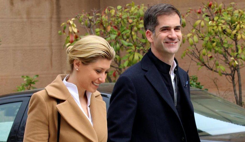 Η νέα ημερομηνία γάμου της Σίας Κοσιώνη και του Κώστα Μπακογιάννη   Pagenews.gr