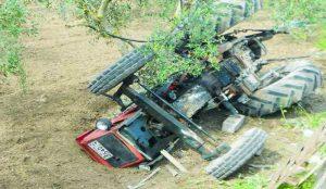 Η οδήγηση το βράδυ ήταν μοιραία – Έπεσε πάνω σε τρακτέρ και σκοτώθηκε | Pagenews.gr