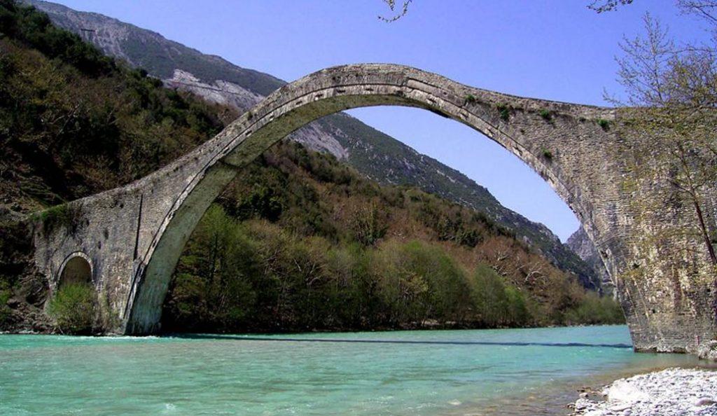 Γεφύρι της Πλάκας: Το καλοκαίρι ξεκινούν οι εργασίες αναστήλωσης | Pagenews.gr