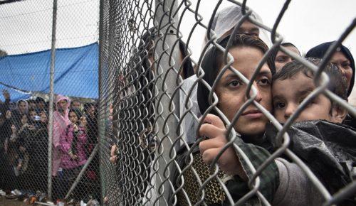 Διαφωνία Μέρκελ και Ορμπάν για τις ευθύνες της ΕΕ για το προσφυγικό | Pagenews.gr
