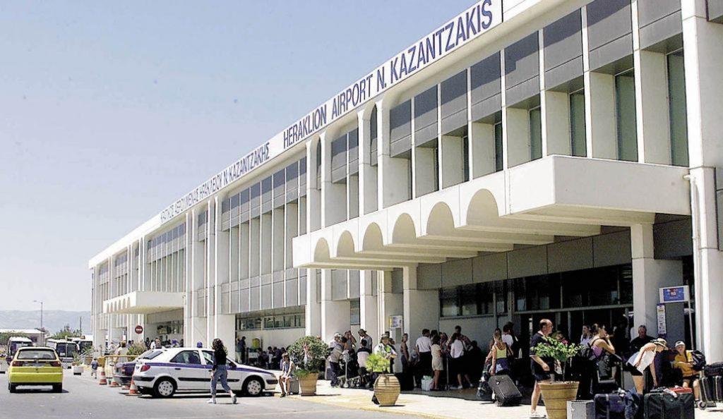Αεροδρόμιο Ηρακλείου: Συλλήψεις για πλαστά ταξιδιωτικά έγγραφα   Pagenews.gr