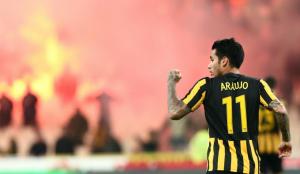 «Φωτιά» στην ΑΕΚ με Αραούχο και Λιβάγια – Πως θα αντιδράσει ο Μελισσανίδης | Pagenews.gr