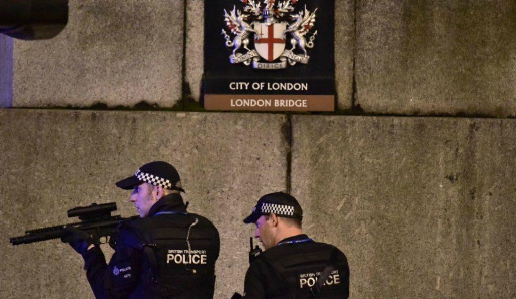 Βρετανία: Συνέλαβαν 14χρονη ύποπτη ως συνεργό σε τρομοκρατική ενέργεια   Pagenews.gr
