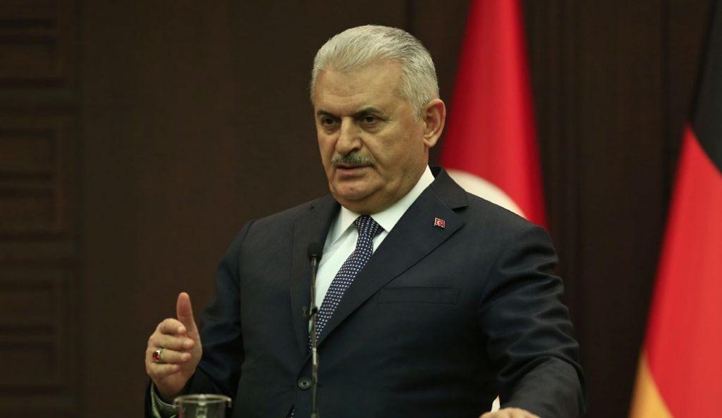 Ειρωνείες του Τούρκου πρωθυπουργού για τους Έλληνες στρατιωτικούς | Pagenews.gr