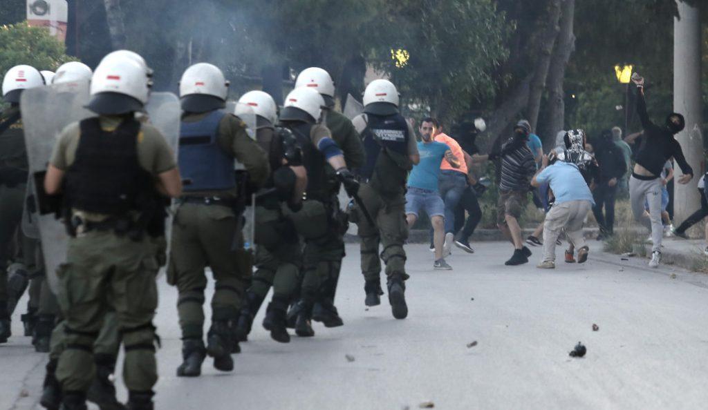 Ελλάδα Βέλγιο επεισόδια: Ένταση έξω από το «Καραϊσκάκης» με Βέλγους και Έλληνες – Αυστηρά μέτρα ασφαλείας (pics) | Pagenews.gr