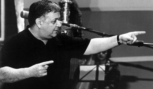 Μάνος Χατζιδάκις: Ο ασυμβίβαστος πρωτοπόρος που άλλαξε το τοπίο στην ελληνική μουσική (pics & vids) | Pagenews.gr
