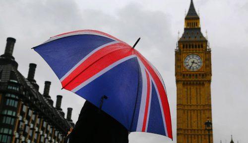 Brexit: Η Βρετανία κινδυνεύει να χάσει σχεδόν 500.000 θέσεις εργασίας | Pagenews.gr
