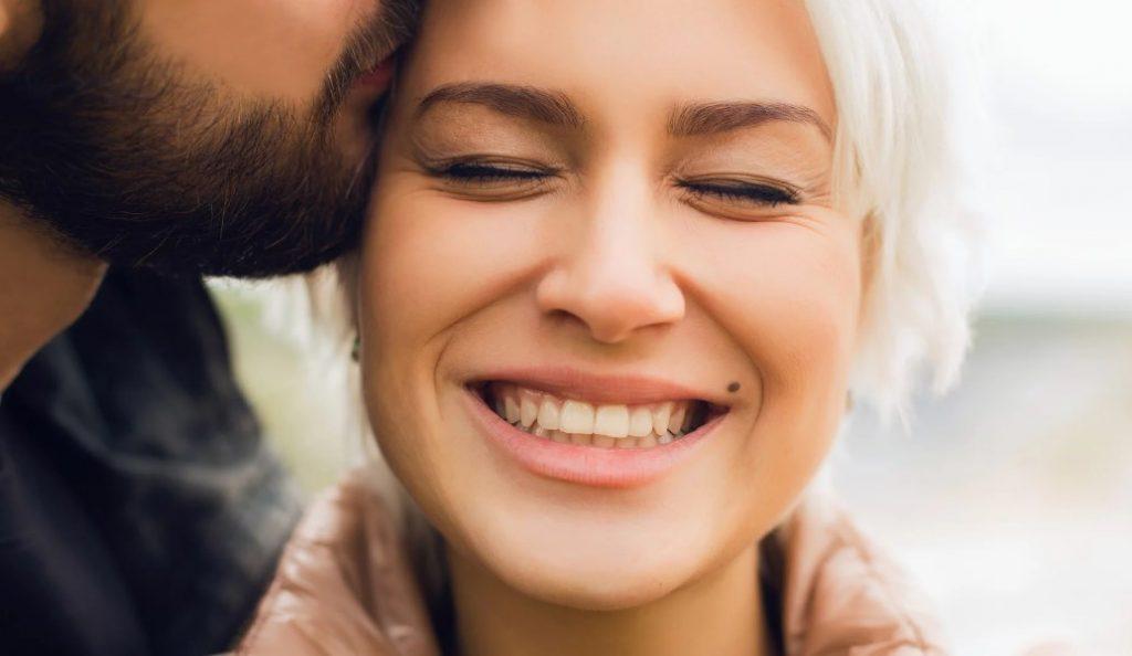 Πώς μπορείς να γίνεις η μία και μόνη στη ζωή του; | Pagenews.gr