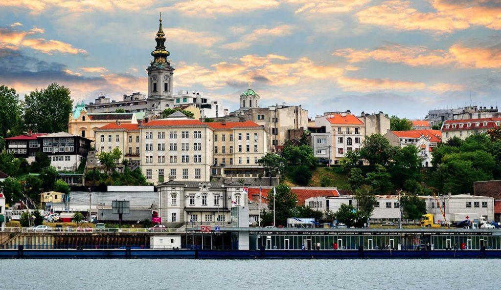 Οι Έλληνες επιλέγουν το Βελιγράδι για τις διακοπές τους | Pagenews.gr