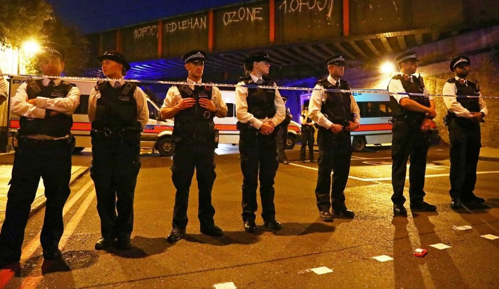 Λονδίνο: «Το περιστατικό αντιμετωπίζεται πλέον ως τρομοκρατία» (pics&vids) | Pagenews.gr