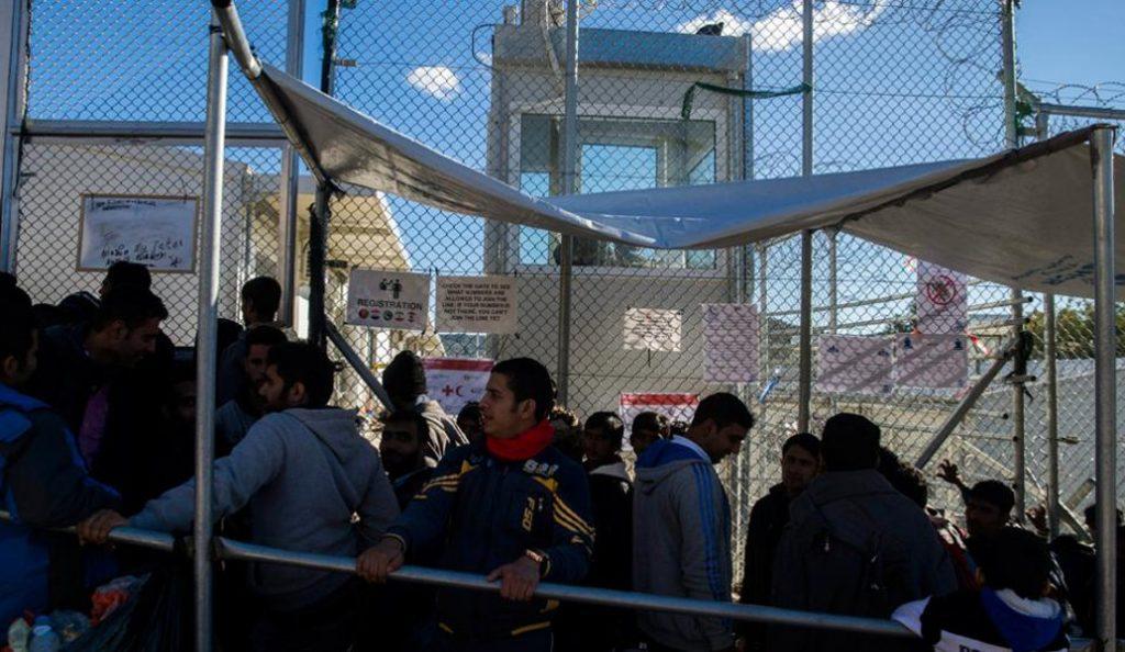 Απόδραση μεταναστών από το κέντρο κράτησης στην Αμυγδαλέζα   Pagenews.gr