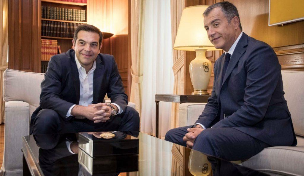 O Τσίπρας τηλεφώνησε στον Σταύρο Θεοδωράκη | Pagenews.gr