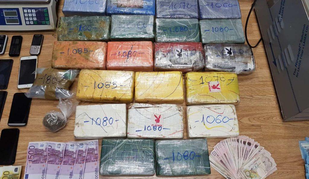 Προφυλακίστηκαν οι 5 του διεθνούς κυκλώματος κοκαΐνης με έδρα τα Τρίκαλα | Pagenews.gr