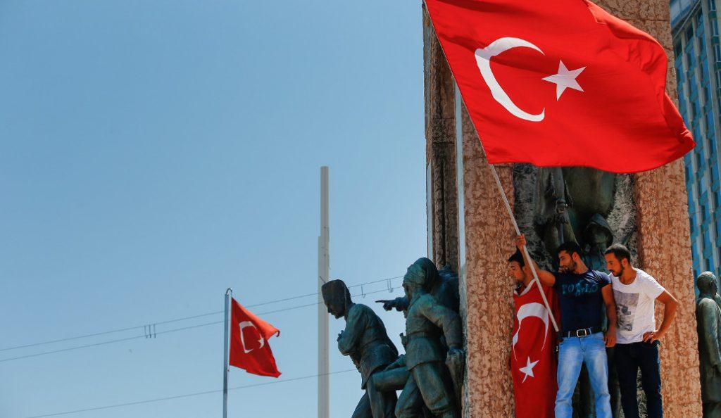 Τουρκία: Σύλληψη 136 υπόπτων για την απόπειρα πραξικοπήματος | Pagenews.gr