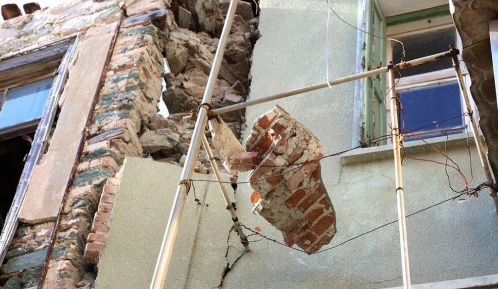 Δήμος Λέσβου: Αρμόδιος για την συλλογή και διαχείριση προϊόντων κατεδάφισης σεισμόπληκτων κτισμάτων | Pagenews.gr
