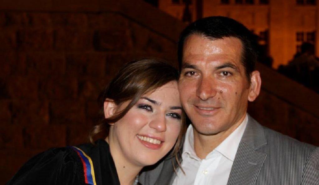 Η κόρη του Πύρρου Δήμα είναι ζευγάρι με τον… σωσία του Χάρι Πότερ (pic) | Pagenews.gr