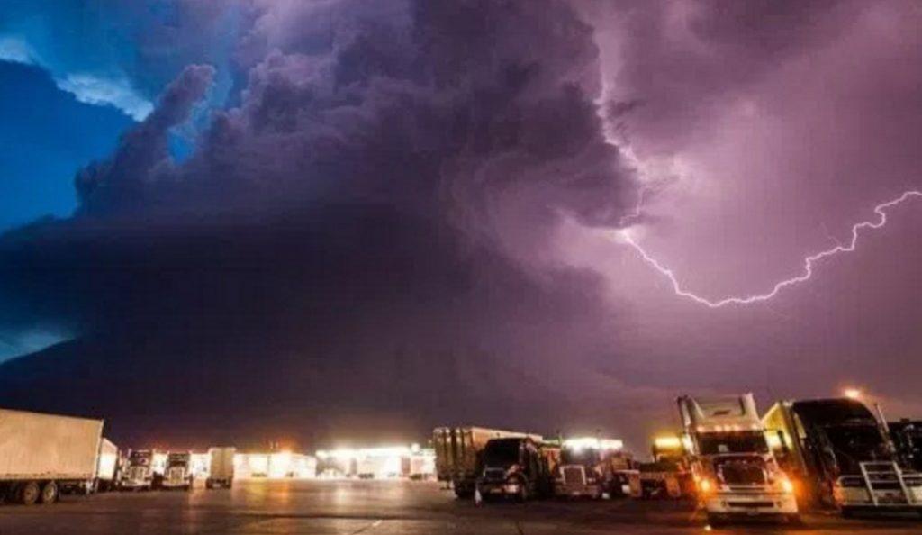 Φονική καταιγίδα στην βόρεια Γερμανία – Τουλάχιστον ένας νεκρός | Pagenews.gr