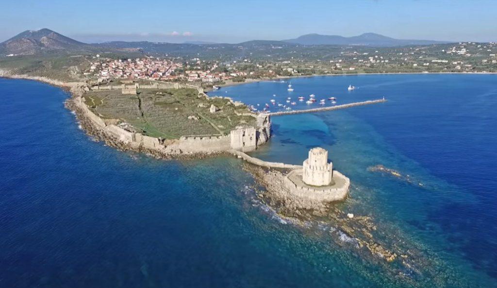 Το φρούριο της Μεθώνης που στέκεται αγέρωχο μέσα στη θάλασσα (vid) | Pagenews.gr